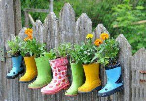 Поделки для сада и огорода своими руками - кашпо из обуви