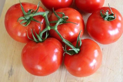 tomat-blagovest
