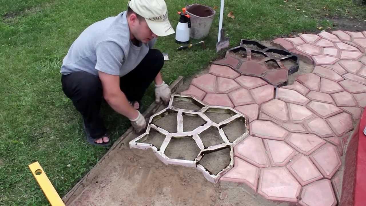 Как сделать своими руками садовую дорожку с помощью формы