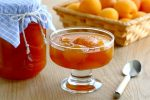 Миниатюра к статье Вкусное варенье из абрикосов без косточек «Зимою — лето»
