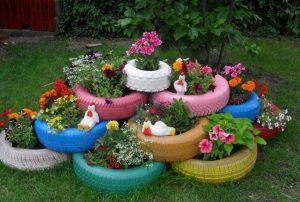 dekorativnye-klumby-na-dache-svoimi-rukami_1