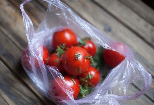 малосольные помидоры в пакете быстрый рецепт за 5 минут