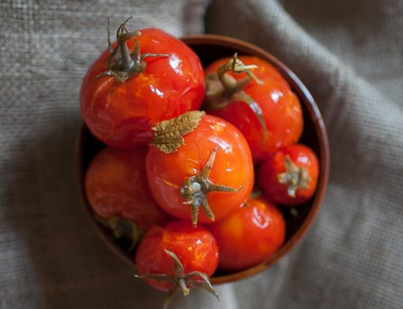 малосольные помидоры быстрого приготовления с чесноком в пакете
