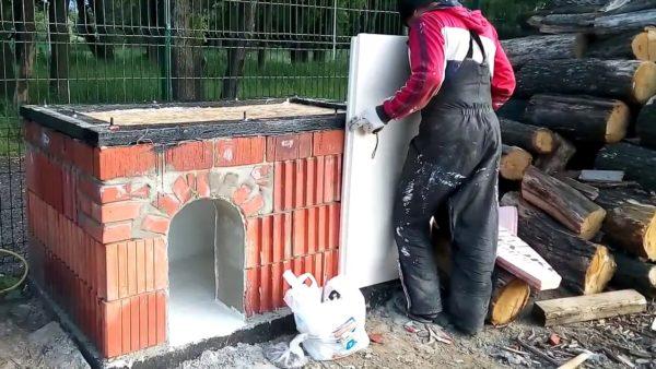 строительство кирпичной будки