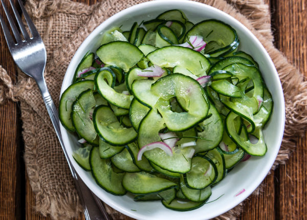 салат с огурцов