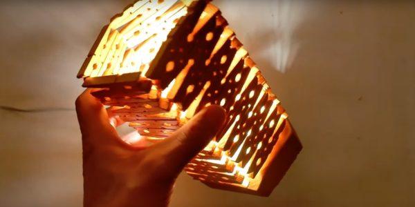 простой светильник из прищепок