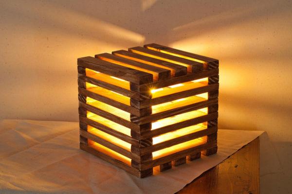 деревянная ночная лампа
