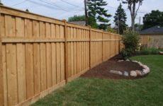 Забор из дерева для частного дома